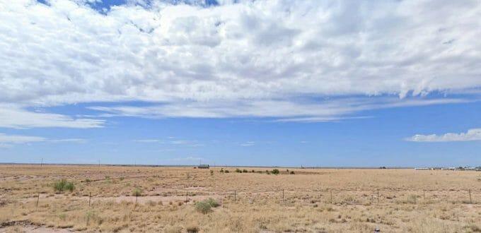 Sun Valley Road, Holbrook, AZ 86025